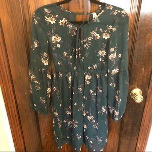 Mudd Floral sheer dress. JUNIORS -XS